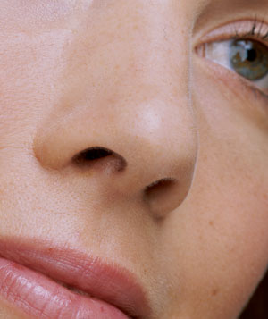 عوارض عمل جراحی زیبایی بینی