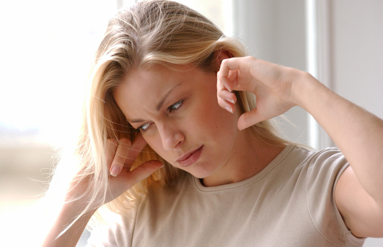 علت وزوز گوش چیست؟